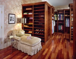 HO-N-Organizing-Article-Royal-Closet.-1jpg1-300x233
